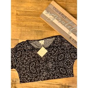 Jaclyn Smith Black White Stretch Top, Small - New!